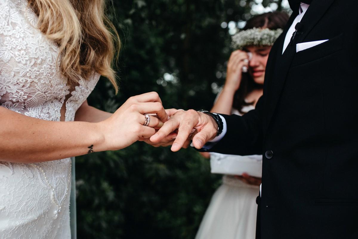 suegraphyelegantandfunbackyardwedding-nickandkimberley0287