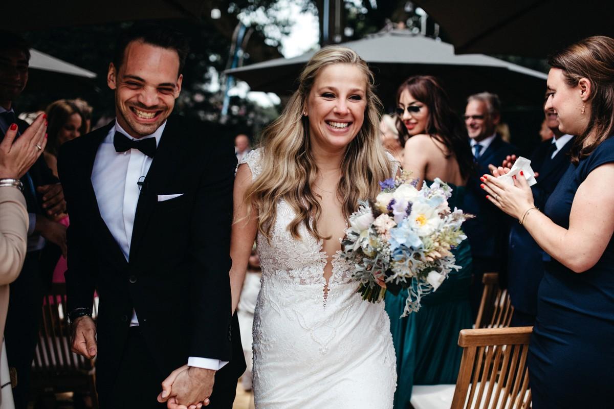 suegraphyelegantandfunbackyardwedding-nickandkimberley0359