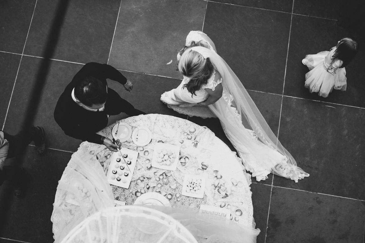 suegraphyelegantandfunbackyardwedding-nickandkimberley0476